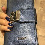 portofel albastru de piele