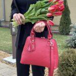 prezentare geanta din piele cu accesoriu