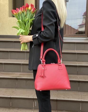 poza spate geanta din piele rosie