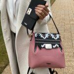geanta cu imprimeu si portfofel negru