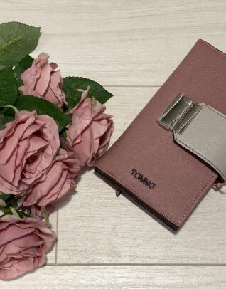 portofel culoare roz cu inchidere de culoare gri
