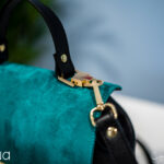 detalii geanta neagra cu alabastru