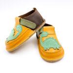 Pantofi barefoot din piele naturala Kinder maro-galben Dino